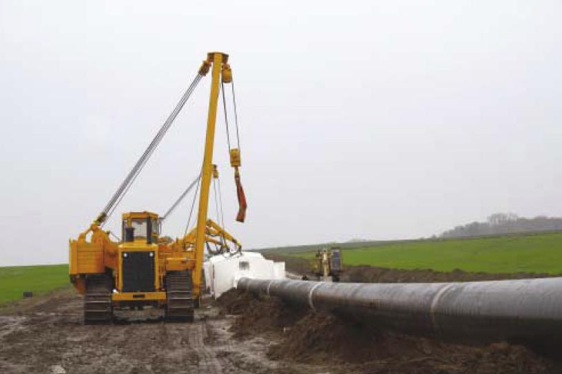 Газстроймонтаж разполага с широка гама собствена специализирана техника за заваряване и полагане на стоманени газопроводи