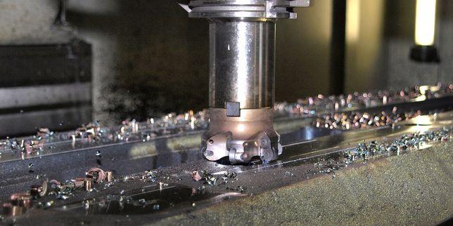 Мажещи вещества за направляващи на металорежещи машини с ЦПУ