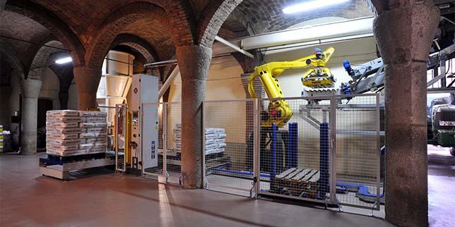Подходящ ли е роботизиран палетизатор за Вашия проект?