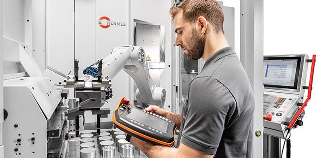 Hermle представя второ поколение на компактната роботизирана система RS 05-2 за пет модела машини