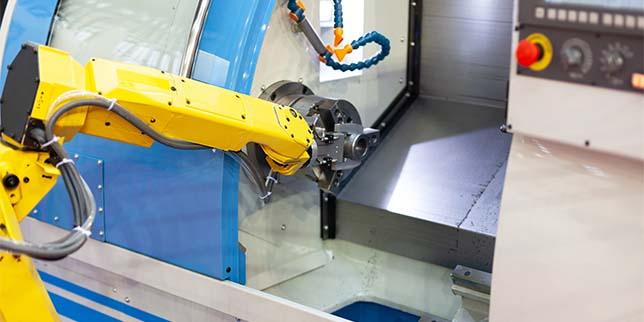 Автоматизация на спомагателните операции при металорежещи и металообработващи машини