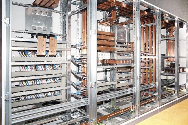 Специфициране на електрически табла и шкафове