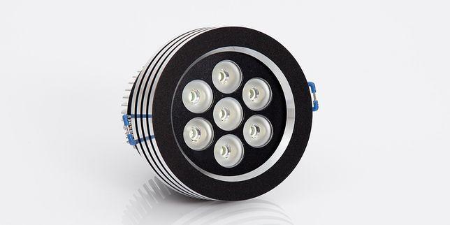 Драйвери и контролери за LED осветление