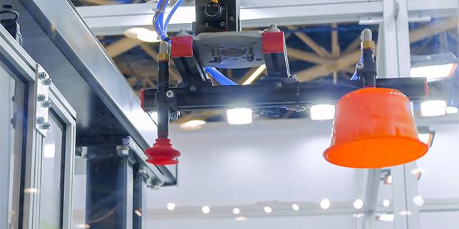 Роботи при производството на пластмаси