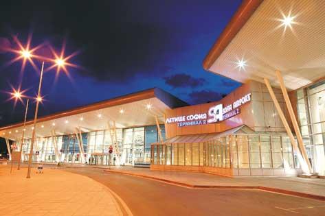 Осветление на летищни терминали