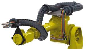 Хенлих: Системи за захранване на индустриални роботи от igus