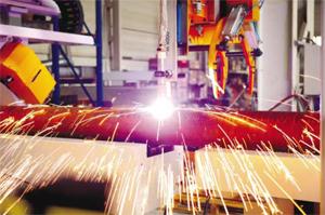 Акцентираме върху предлагането на 2D и 3D портални машини за плазмено рязане